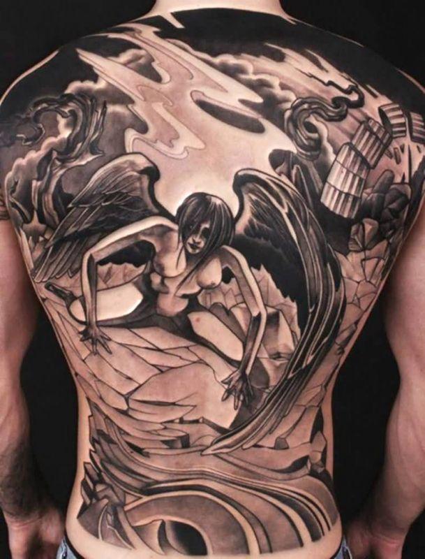 nagi anioł tatuaż