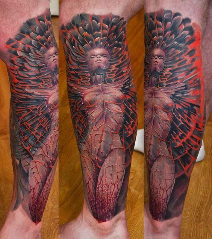 kobieta jako tatuaż