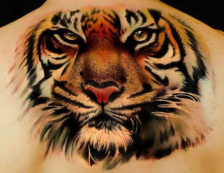 głowa tygrysa piękny tatuaż