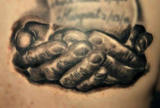 pismo na dłoniach