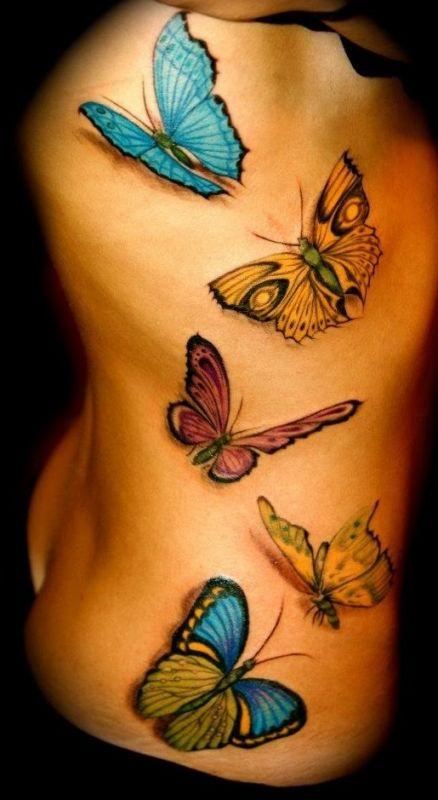 Kolorowe Motyle Tatuaże Na żebrach