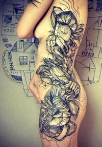 tatuaże na biodrach