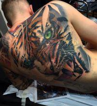 tatuowanie tygrysa na plecach