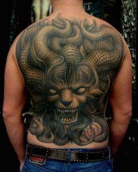 diabeł duży tatuaż na plecach