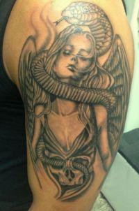 kobieta anioł i wąż tatuaże