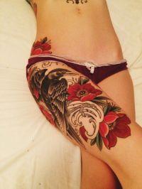 tatuaż na udzie dla kobiety