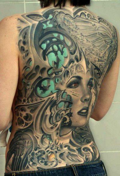 twarz kobiety super tatuaże