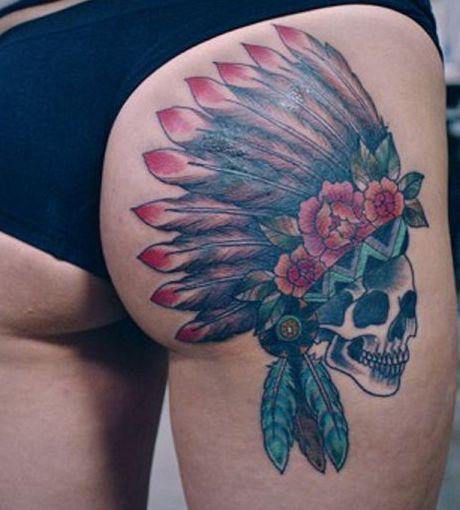 czaszka indianin piuropusz tatuaże