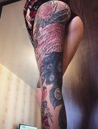 paw tatuaż na nodze