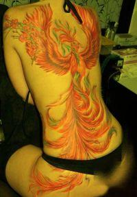 czerwony feniks tatuaż